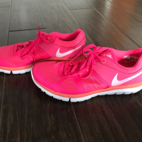 hot pink tennis shoes Shop Clothing